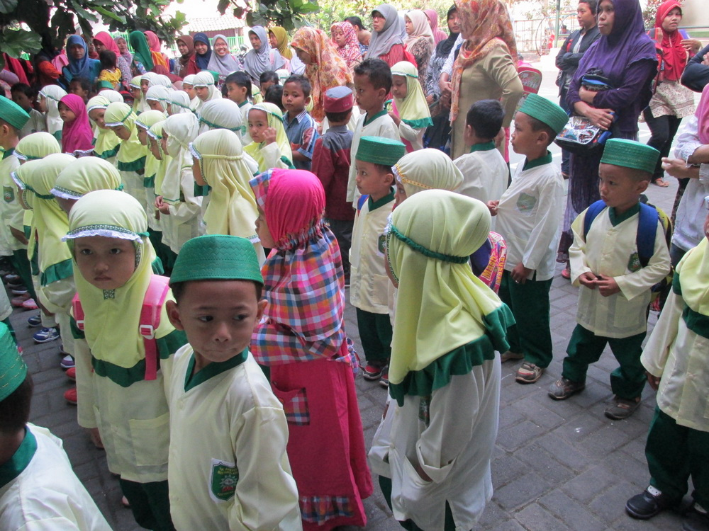 AZZAM FIRST DAY GOES TO SCHOOL